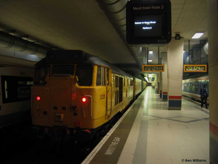 Photo of 31233 at London Cannon Street