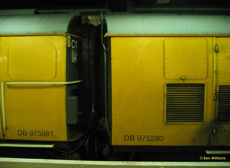 Photo of 975081 & 975280 detail at London Cannon Street