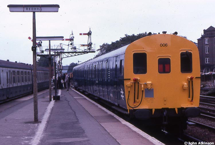 Photo of 975590 & 975591 at Redhill
