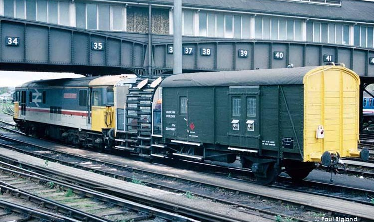 Photo of 975807 at Clapham Junction