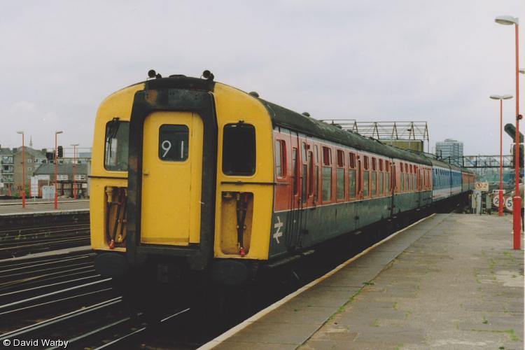 Photo of 977684 at Clapham Junction