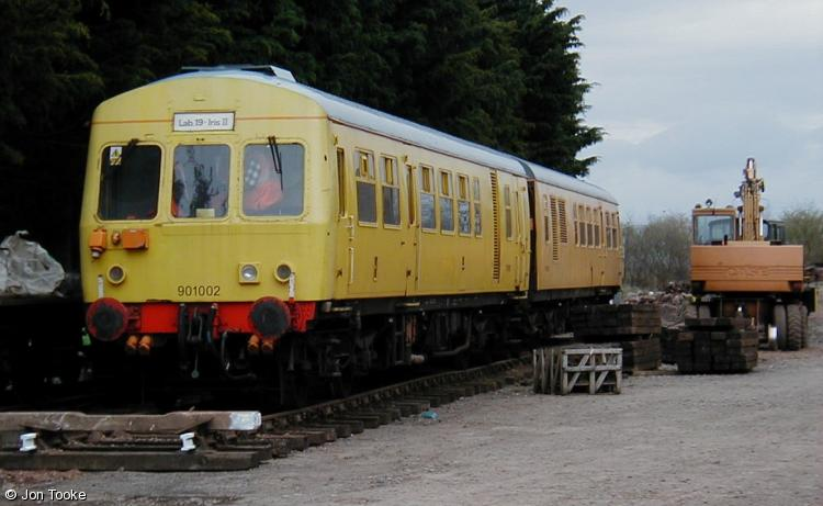 Photo of 977693 & 977694 at Dunster, West Somerset Railway