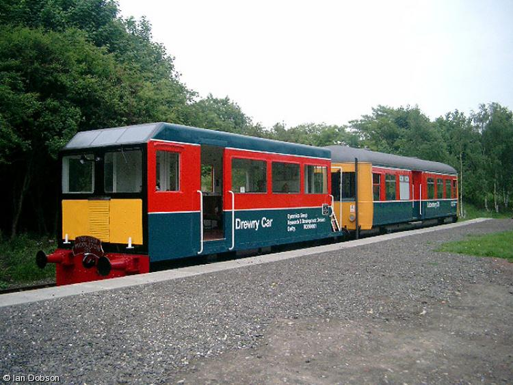 Photo of 998901 & 999507 at Middleton Railway